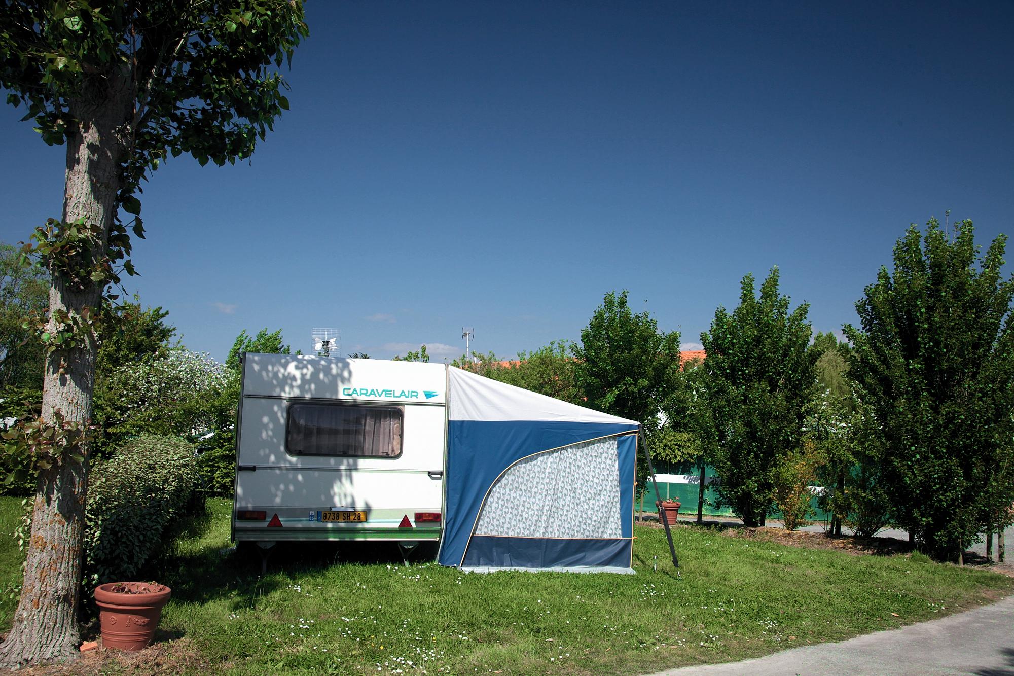Location emplacement caravane camping saint gilles croix de vie