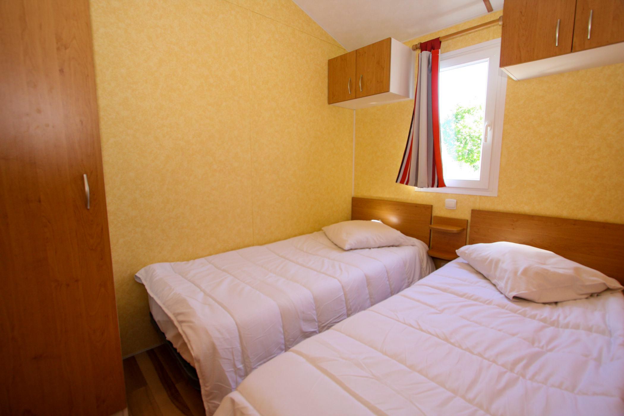 chambre 2 lits de 90 dans mobil home en Vendée